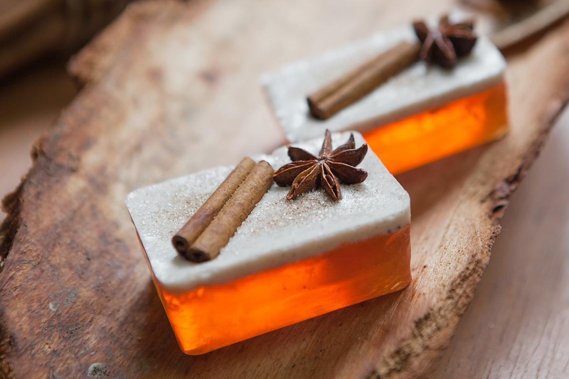 Geschenkidee zu Weihnachten: Selbstgemachte Seifen
